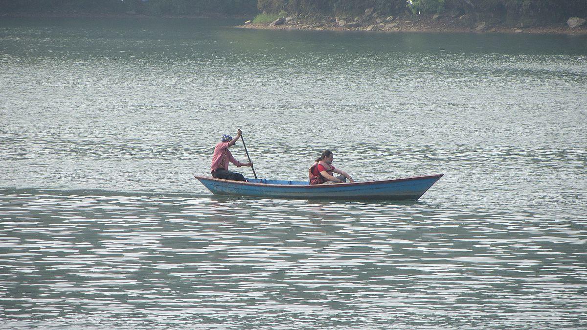 Phewa_Lake_Boating